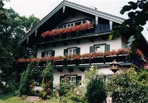 ferienwohnung fewo nandlhof aschau im chiemgau pensionhotel. Black Bedroom Furniture Sets. Home Design Ideas